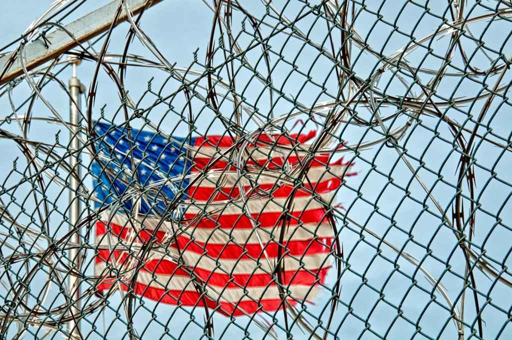 prison-jail-detention-fence-54456.jpeg